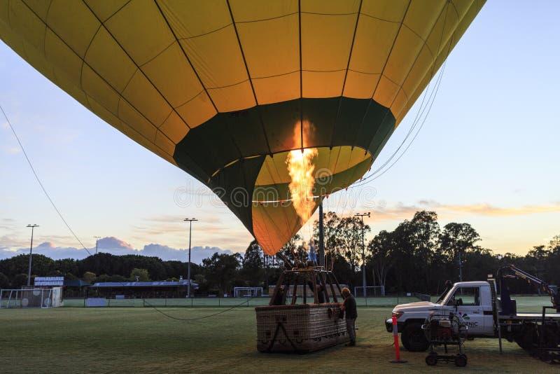 Balão pronto antes do embarque dos passageiros foto de stock royalty free