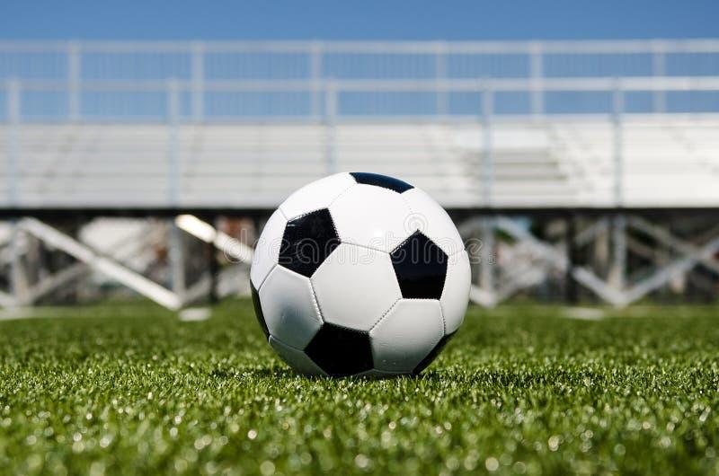 Download Balón De Fútbol Con Los Soportes En Fondo Imagen de archivo - Imagen de profundidad, goalie: 41913825
