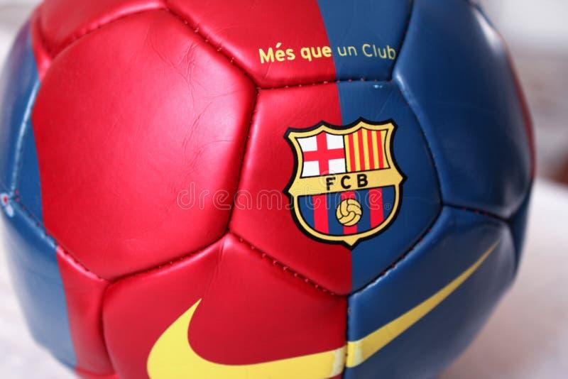Balón de fútbol de Barcelona imagen de archivo libre de regalías