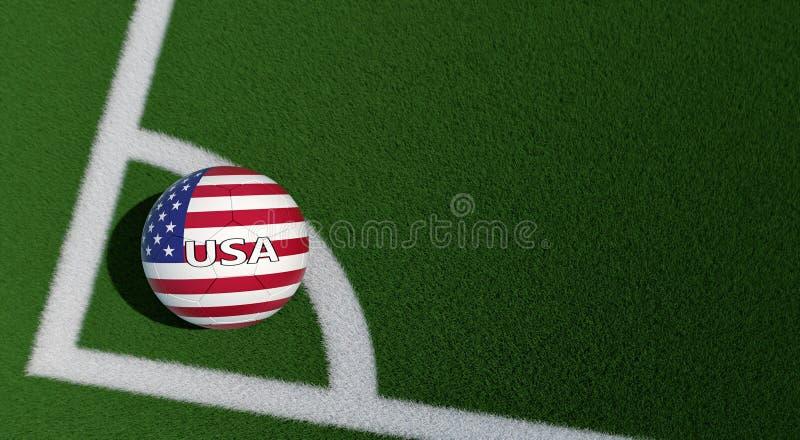 Balón de fútbol en colores nacionales de los E.E.U.U. en un campo de fútbol Copie el espacio en el lado derecho imagen de archivo