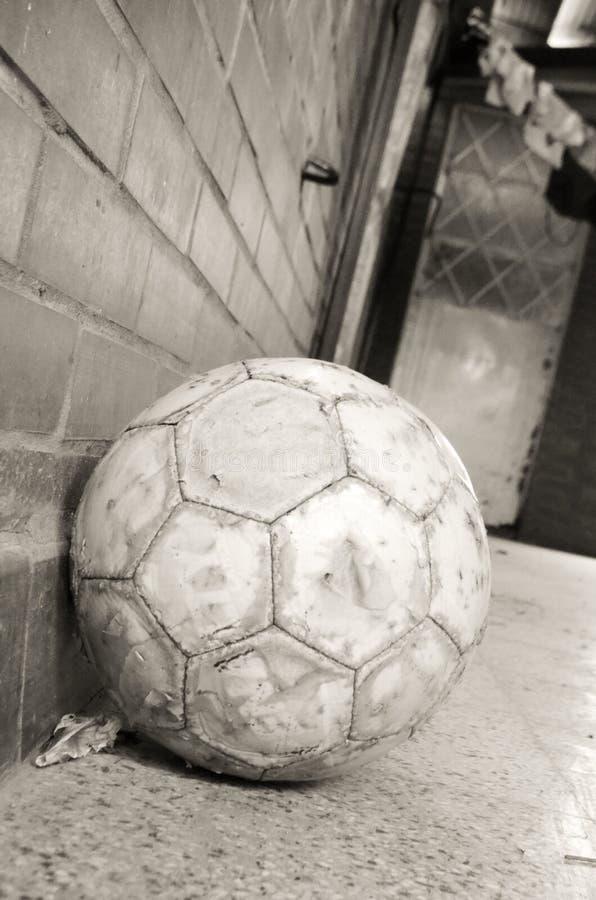 Balón de fútbol reservado foto de archivo libre de regalías
