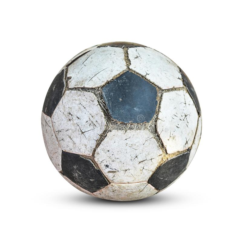 Balón de fútbol viejo aislado en el fondo blanco imagen de archivo libre de regalías