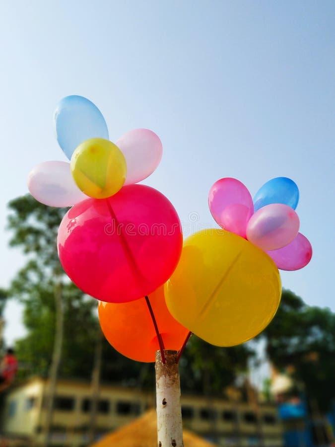Balões coloridos na feira da vila foto de stock royalty free