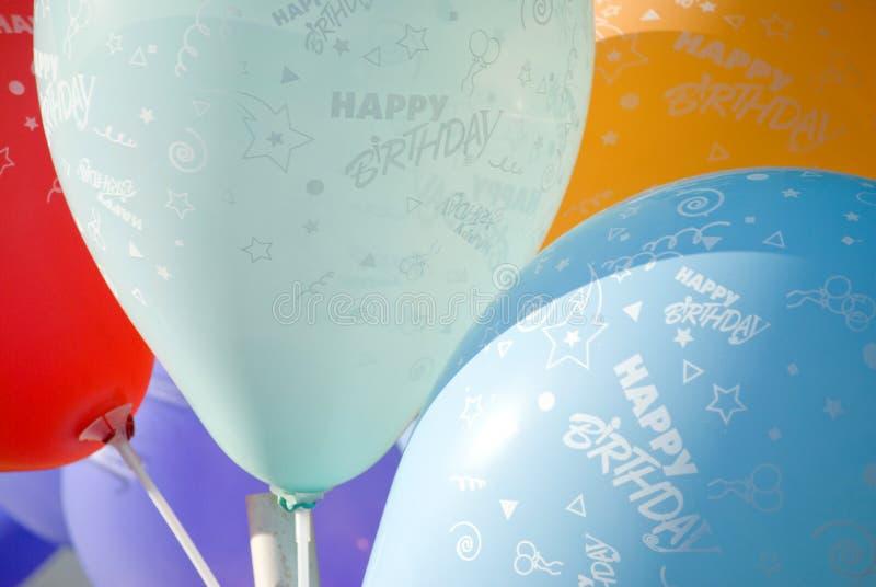 Balões do feliz aniversario fotografia de stock