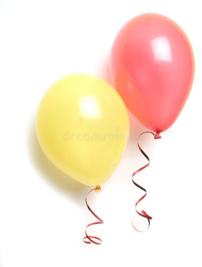 Balões vermelhos e amarelos
