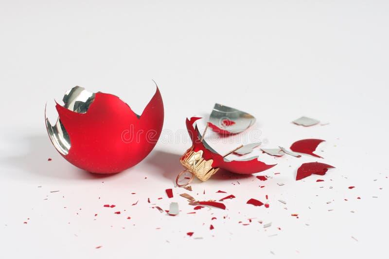 Bal quebrado de la Navidad foto de archivo