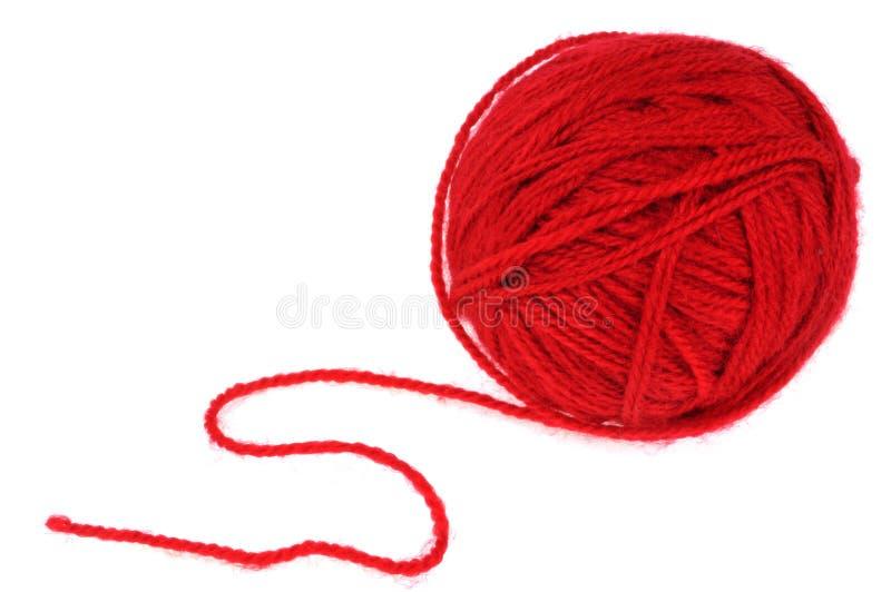 Bal van rode wol op een witte achtergrond stock foto