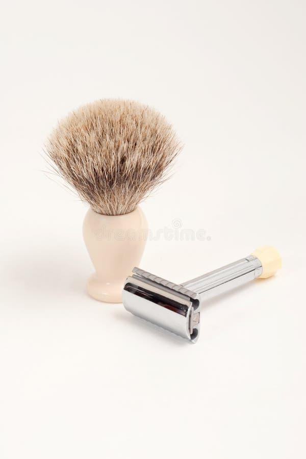 Balai de rasoir et de blaireau de sécurité image stock