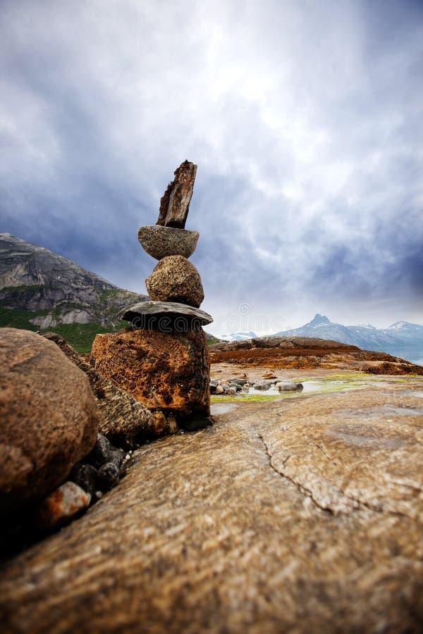 Balanç a escultura da pilha foto de stock