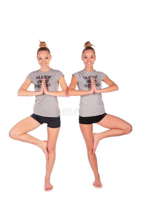 Balanços gêmeos das meninas do esporte fotografia de stock