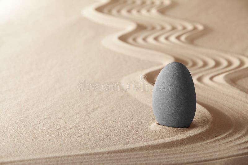 Balance del espiritual del jardín de la meditación del zen fotos de archivo libres de regalías