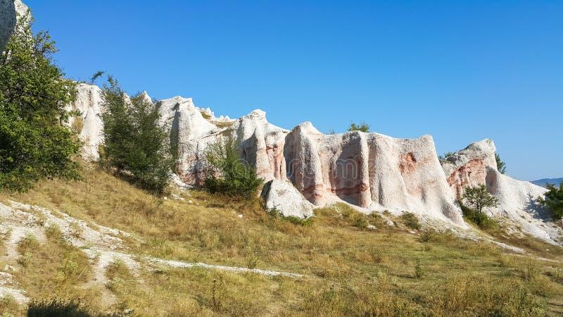 Balance o casamento de pedra do fenômeno perto da cidade de Kardzhali foto de stock royalty free