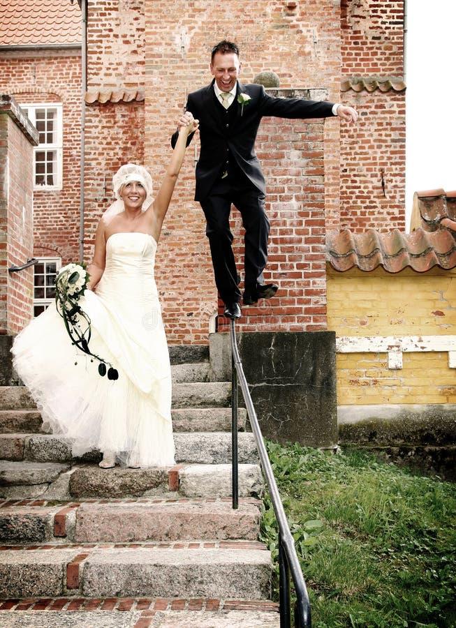 balance roligt bröllop royaltyfri fotografi