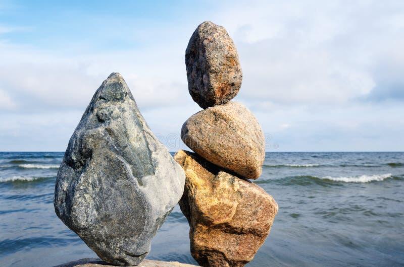 balance stenar royaltyfri fotografi