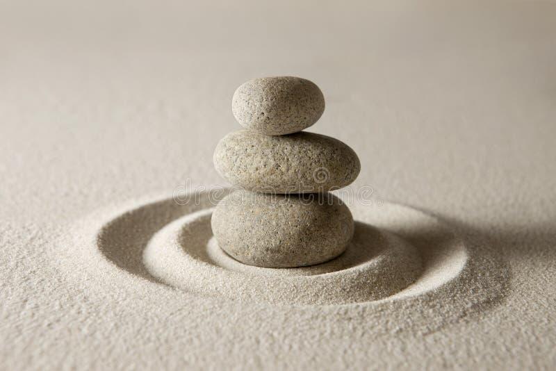 Balancierende Steine stockfotografie