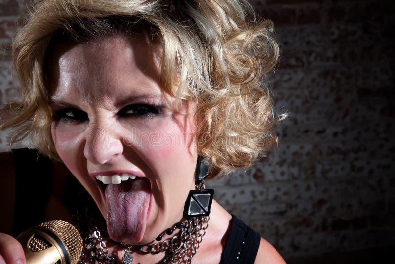 Balancim de punk fêmea imagem de stock