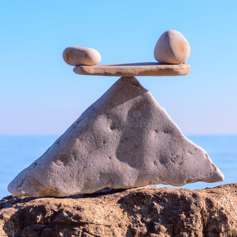 Balansera av stenar royaltyfri bild