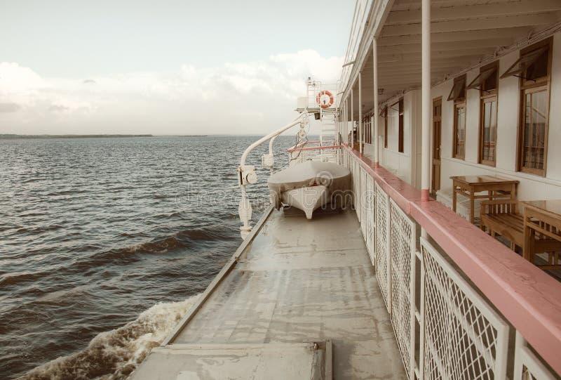 Balaustrada de um navio de cruzeiros. fotos de stock royalty free