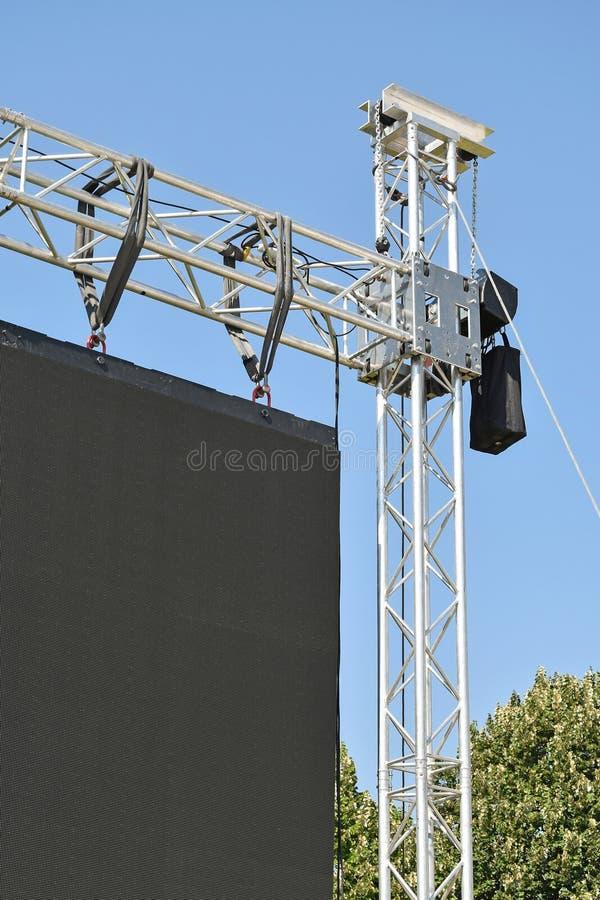 Balaustre de una pantalla grande del LED al aire libre foto de archivo libre de regalías