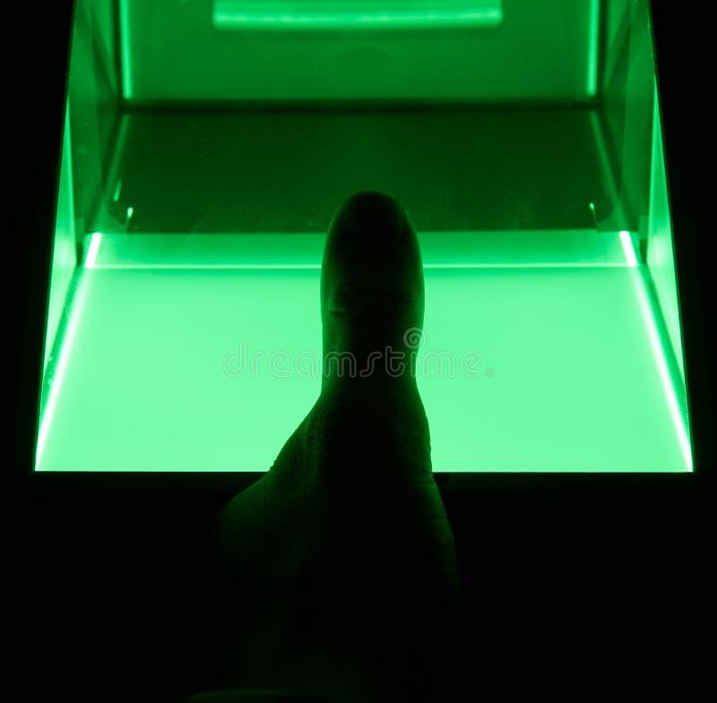 balayage numérique d'empreinte digitale de cybersecurity photo libre de droits
