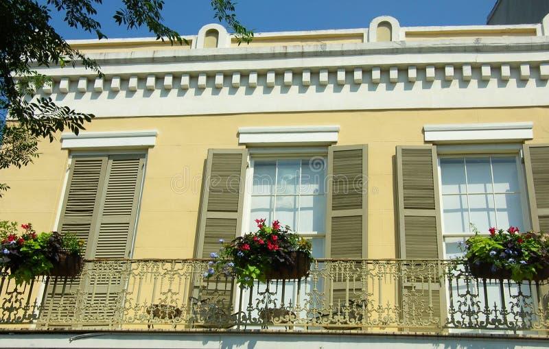 Balcão Home no bairro francês, N.O. fotografia de stock royalty free