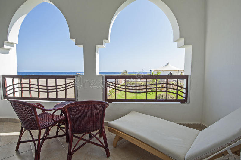 Balcão no recurso tropical luxuoso foto de stock royalty free