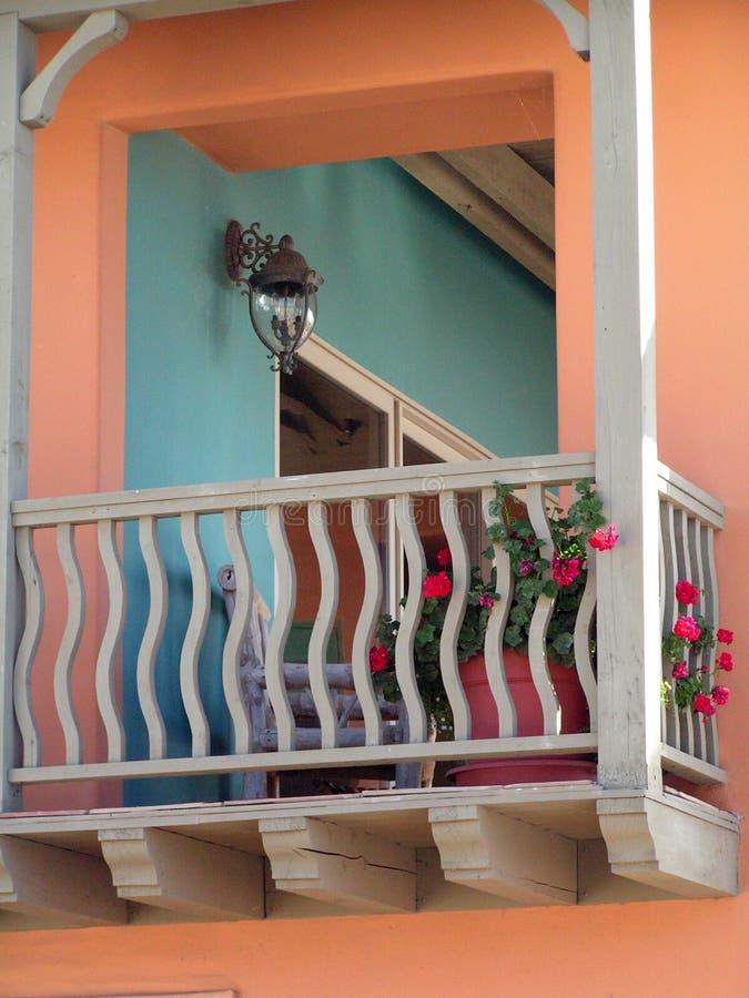 Balcón colorido imagenes de archivo