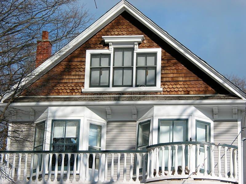 Balcón de la casa imagen de archivo