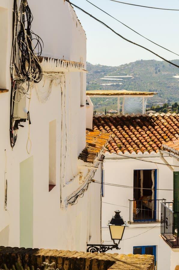 Balcón elegante con una verja del metal, elemen arquitectónicos sólidos fotos de archivo libres de regalías