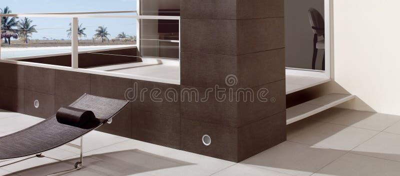 Balcón moderno con la vista del mar foto de archivo libre de regalías