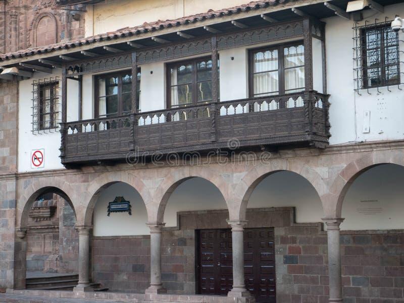 Balcões de Conlonial em Cusco, Peru fotos de stock royalty free