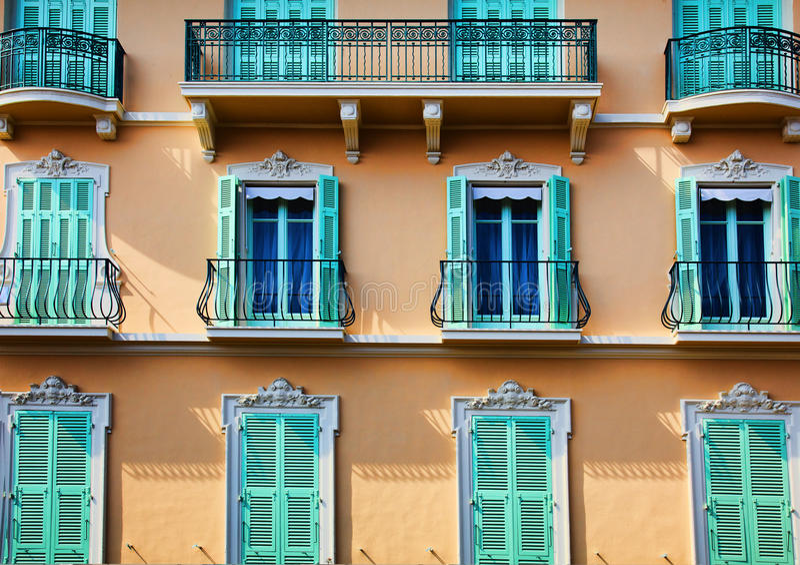 Balcões, Windows e portas fotos de stock royalty free
