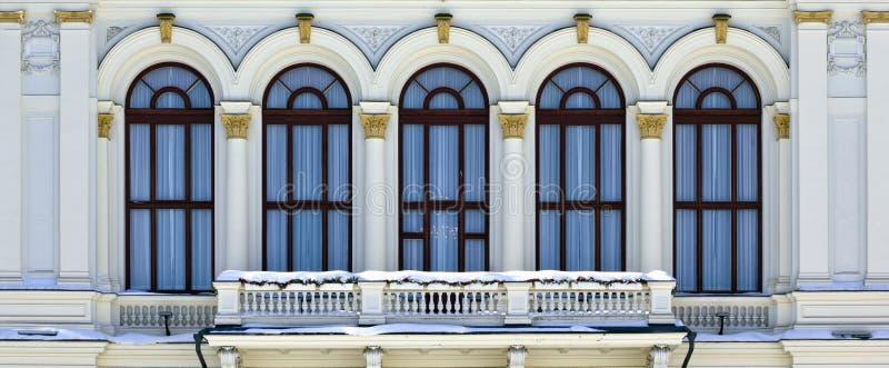 Balcon d'un hôtel de ville de Tampere photographie stock