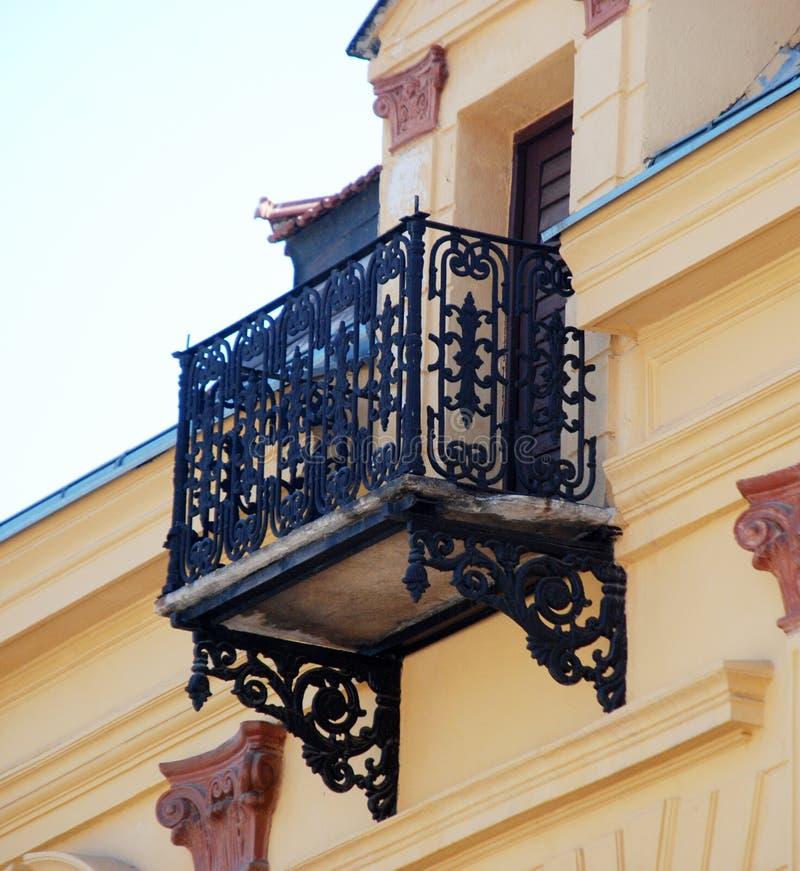 Balcon dans le bitola, Macédoine photographie stock libre de droits