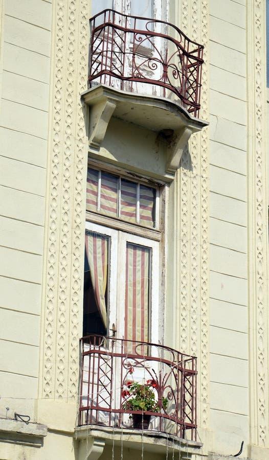Balcon dans le bitola, Macédoine image stock