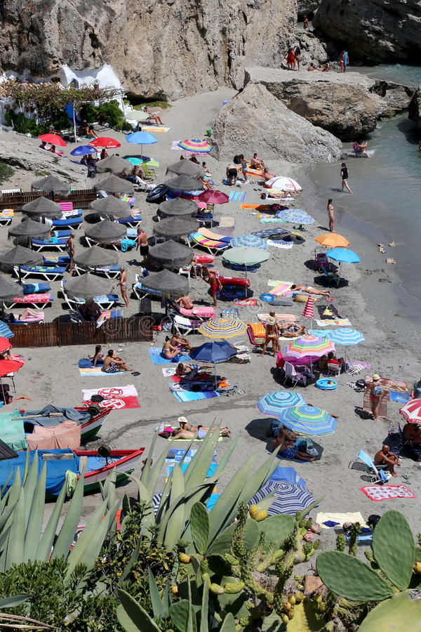 从Balcon de Europa的看法在内尔哈,西班牙 图库摄影