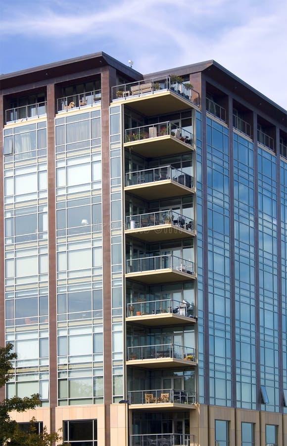 Download Balcon de luxe de logement image stock. Image du architecture - 8651607
