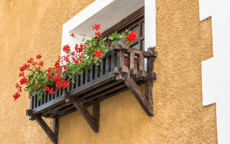 Balcon fleuri images libres de droits