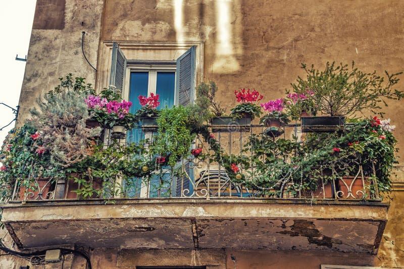 Balcon italien images libres de droits