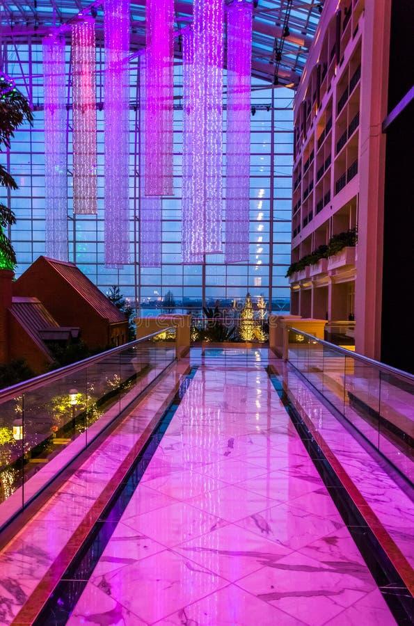 Balcon sur le deuxième plancher de Gaylord National Resort, dans N image stock