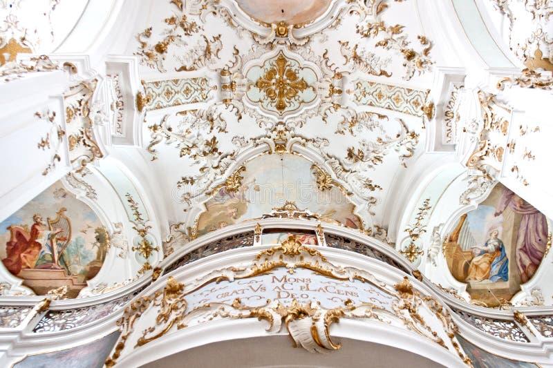Balcone della chiesa di Elisabeth e di Nicholaus del monastero di Andechs, Baviera, Germania fotografie stock