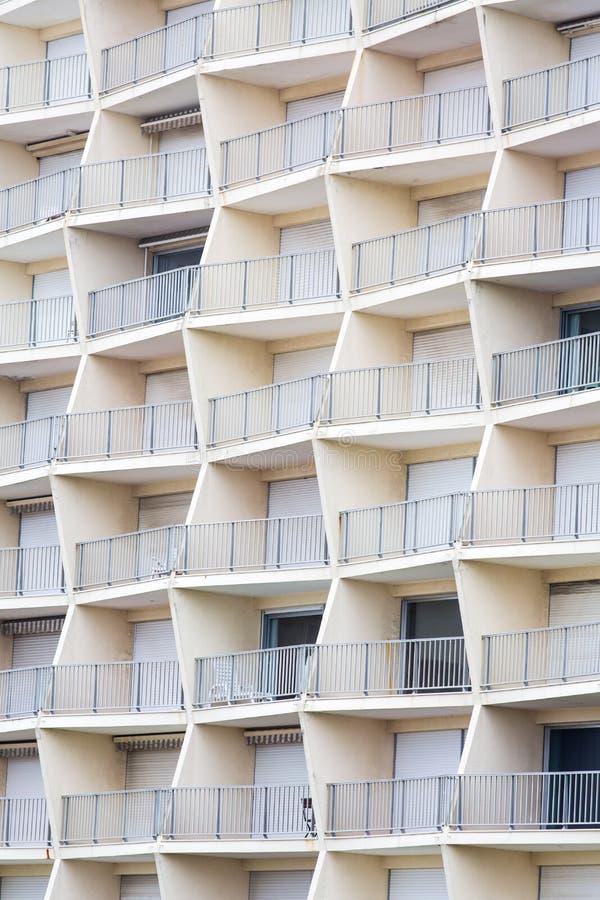 Balcone geometrico della costruzione fotografie stock libere da diritti