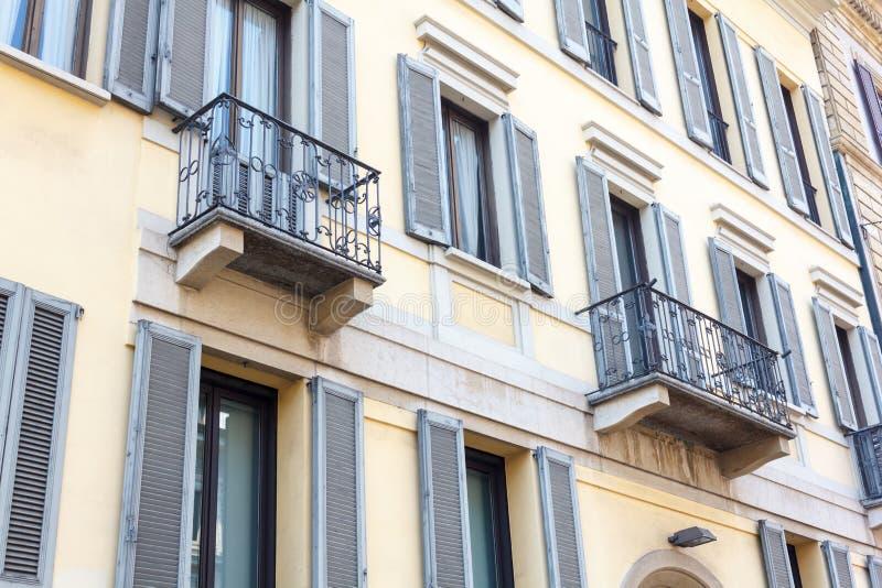 Balcone italiano fotografie stock libere da diritti