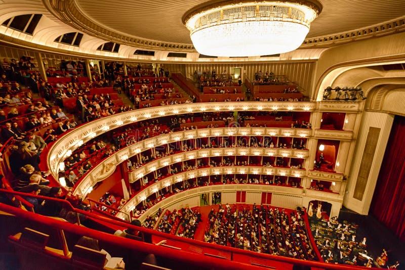 Balcones del teatro de la ópera de Viena imágenes de archivo libres de regalías