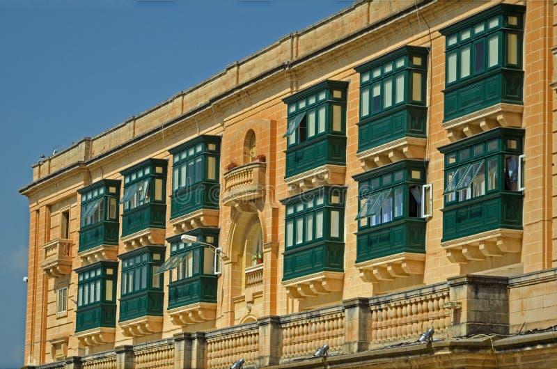 Balcones en La Valeta, Malta imagenes de archivo