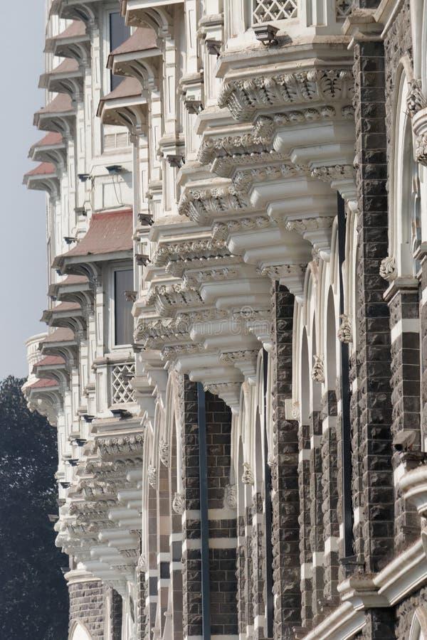 Balconi decorati di Taj Mahal Hotel, ingresso dell'India, India fotografie stock libere da diritti