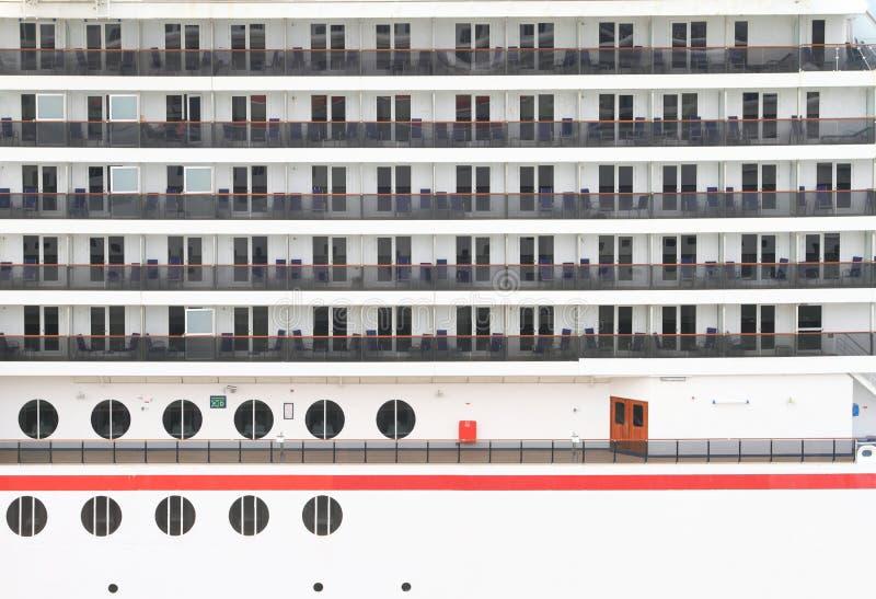 Balconi della cabina di una nave da crociera immagine for Planimetrie della cabina di log