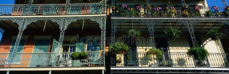 Balcons dans le quartier français de la Nouvelle-Orléans, LA photographie stock libre de droits