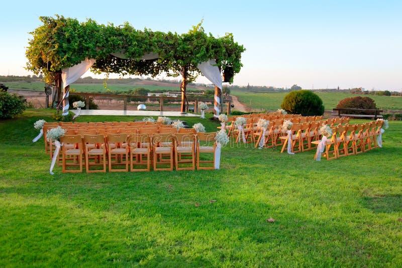 baldachimu ceremonii plenerowy ślub zdjęcie royalty free
