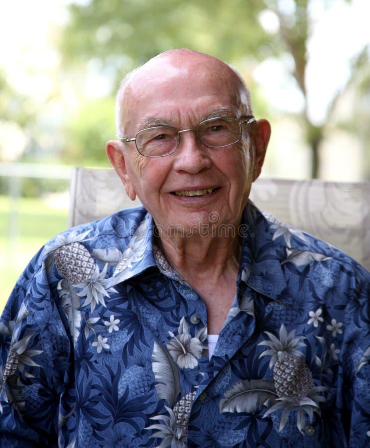 Balding älterer Herr lizenzfreie stockbilder